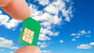 SIMカードはスマホだけでなくガラケーにも挿入されている