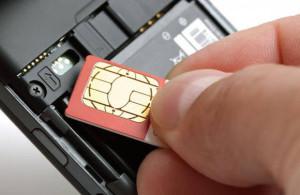 SIMフリー端末にSIMカード